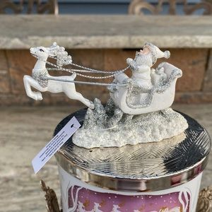 Beautiful Santa & Sleigh Magnet Candle Topper